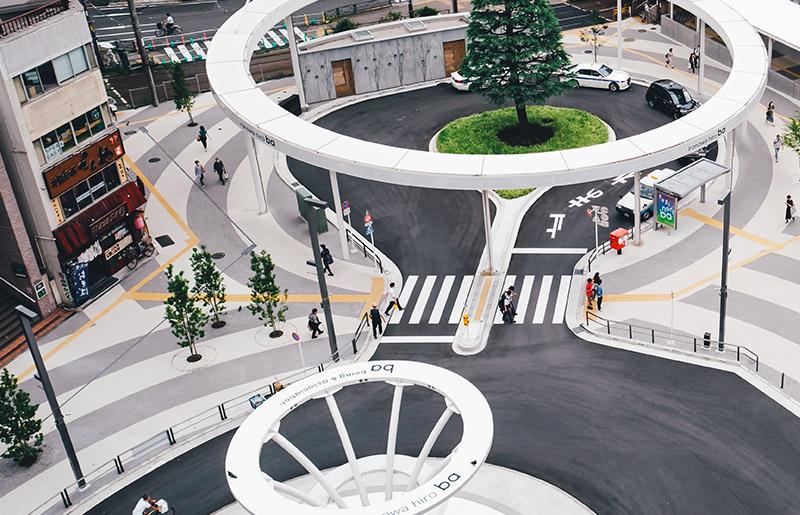 ironowa hiro ba 「光のファンタジー」で大塚に暮らす人、訪れる人を暖かく迎える、大塚駅北口駅前広場